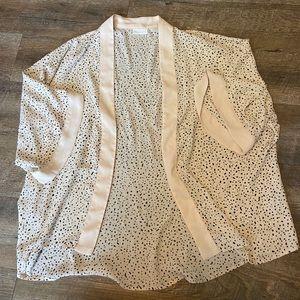 New York and Company White and Black Kimono
